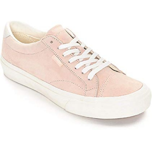 cc453b11058a Vans Pink Pig Suede Ultra Cush Sneakers. M 5c0775597386bc4fe3eb105c